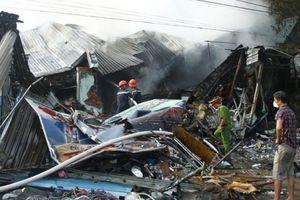 Bình Dương: Thi thể người đàn ông bị vùi trong đống đổ nát sau hỏa hoạn