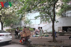 Hà Nội: Bé trai thoát chết thần kỳ khi rơi từ tầng 7 chung cư