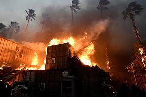 Số người chết do cháy rừng kinh hoàng ở California tăng lên 56