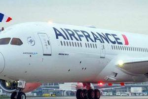 Cabin máy bay bốc khói, hàng trăm hành khách của Air France bị kẹt ở Siberia 3 ngày