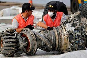 Bố mẹ nạn nhân vụ máy bay Indonesia rơi đệ đơn kiện Boeing