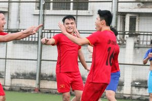 Sôi nổi giải bóng đá Trung tâm Huấn luyện và bồi dưỡng nghiệp vụ CATP Hà Nội