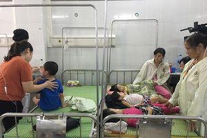 Vụ 86 trẻ mầm non bị ngộ độc: Hai trẻ nặng phải chuyển tuyến, nghi do nhiễm vi sinh