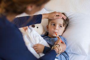 Chuyên gia tư vấn cách phân biệt 5 bệnh nguy hiểm ở trẻ qua cơn sốt
