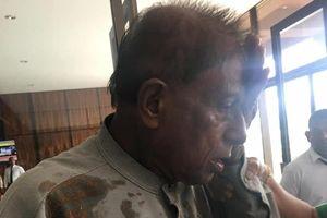 Cảnh hỗn loạn khi nghị sĩ Sri Lanka ném ghế, bột ớt vào đối thủ