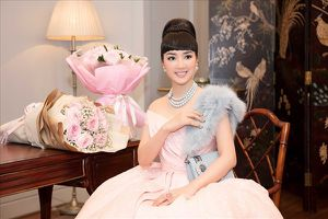 Hoa hậu Giáng My mừng tuổi mới bên dàn mỹ nhân đẹp 'mười phân vẹn mười'