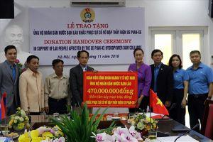 CĐ Y tế VN trao 20.000 USD ủng hộ nhân dân Lào bị thiệt hại do vỡ đập thủy điện tại Attapeu