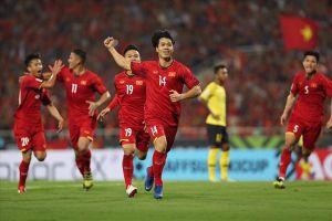 Công Phượng lại sút tung lưới Malaysia: Mỹ Đình, góc sân và khoảng trời