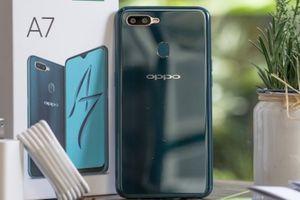 Ảnh thực tế Oppo A7 xanh lam ngọc và vàng hoàng kim, giá 5,99 triệu đồng