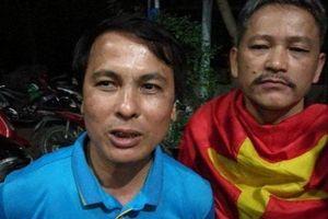 Bố Quang Hải, Văn Toàn đã ra sân Mỹ Đình, 'truyền lửa' cho các con thi đấu