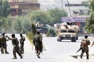 Tiến công khủng bố, ít nhất 30 binh sĩ Áp-ga-ni-xtan chết
