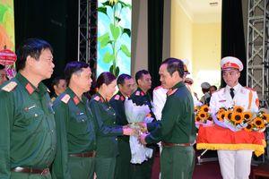 Bộ tư lệnh Quân khu 3 gặp mặt các nhà giáo tiêu biểu