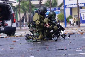 Mục kích công binh Việt Nam hóa giải UAV 'cảm tử'