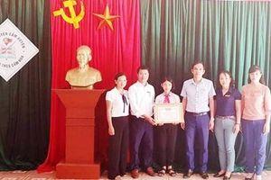 Nữ sinh lớp 8 ở Hà Tĩnh trả lại 30 triệu tiền nhặt được