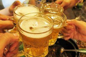 Thật khó để tự hào về 'thành tích' uống rượu bia đứng đầu
