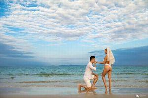 Cặp đôi 9x 'gây bão' với ảnh cưới bikini cầu hôn ở bãi biển