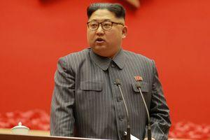 Vũ khí Triều Tiên: Chủ tịch Kim đích thân thị sát buổi thử nghiệm vũ khí chiến thuật mới?
