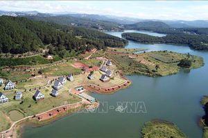 Hàng chục căn nhà gỗ ngang nhiên mọc lên trong Di tích quốc gia hồ Tuyền Lâm