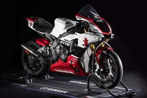 Cận cảnh siêu xe môtô Yamaha YZF-R1 GYTR 2019 giới hạn 20 chiếc