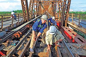 Cách nào quản kết cấu hạ tầng đường sắt?