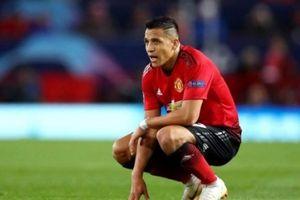 Tết lộ lý do Sanchez chỉ chơi 17 phút ở trận derby Manchester