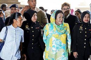 Vợ cựu Thủ tướng Malaysia đối mặt án tù 20 năm với cáo buộc nhận hối lộ