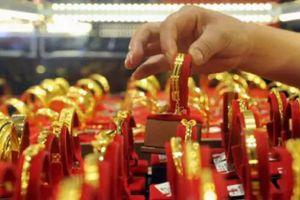 Giá vàng miếng tăng mạnh, giá USD tự do tiếp tục giảm