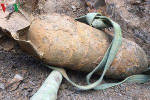 Điện Biên Phủ: Phát hiện quả bom hơn 300 kg khi san ủi đất xây nhà