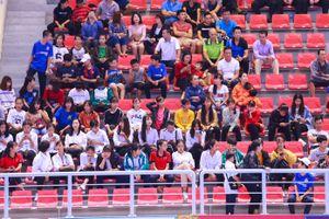 Khán giả hào hứng theo dõi Giải Futsal Cúp Quốc gia HD Bank 2018