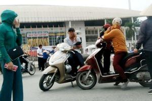 'Cò vé' tiết lộ cách vào sân Mỹ Đình xem trận Việt Nam - Malaysia mà không cần vé