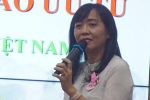 Cô giáo bật khóc nhắc kỷ niệm 'phụ huynh chưa kịp tặng phong bì'