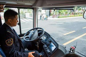 Nữ hành khách Trung Quốc giằng vô lăng xe buýt 'thích chết thì cùng chết'