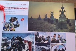 Trao giải và triển lãm Cuộc thi ảnh nghệ thuật về đề tài 'Biển, đảo quê hương'