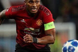 Bị gạt khỏi đội hình chính, đội trưởng M.U tố Mourinho nói dối