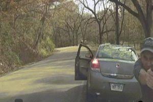 Cảnh đấu súng 'căng' như phim giữa cảnh sát Mỹ và nghi phạm