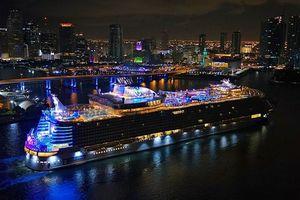Du thuyền lớn nhất thế giới 'chào sân' tại Mỹ