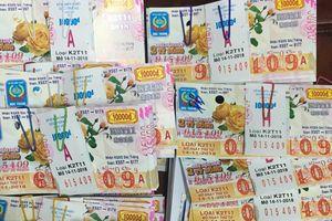 Một cán bộ sắp về hưu trúng 80 tờ vé số với 19,6 tỉ đồng