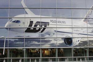 Máy bay hỏng, hãng hàng không nhờ khách góp tiền sửa