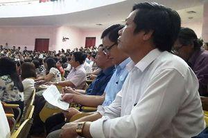 Bị siết nhân sự biệt phái, Phòng giáo dục tìm đủ cách xoay sở (2)