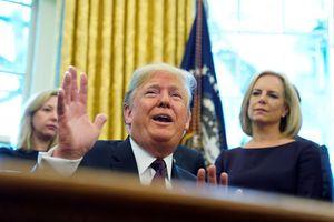 Ông Trump bất ngờ dịu giọng với Trung Quốc trong cuộc chiến thương mại
