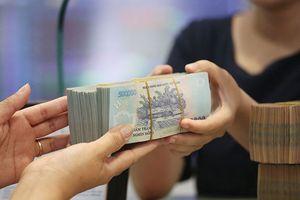 Nỗi lo thanh khoản tiền đồng