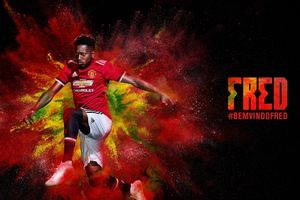 Huyền thoại M.U kêu gọi fan kiên nhẫn với Fred khi bị Mourinho 'ghẻ lạnh'