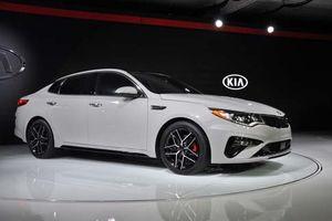 Cận cảnh vẻ đẹp mẫu sedan thể thao của Kia, giá hơn 700 triệu