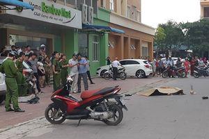 Phát hiện thi thể người đàn ông trước sảnh chung cư Phú Sơn nghi rơi từ tầng 5 xuống đất
