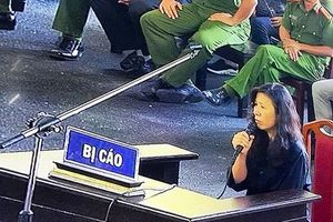 Chị họ Phan Sào Nam khóc nức nở khi nói về việc vô tình giúp sức cho 'ông trùm'