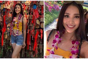 Hoa hậu Tiểu Vy ăn mặc trẻ trung, năng động đi tham quan đảo Hải Nam