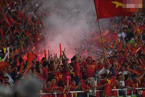 'Thắng nhưng không vui' Việt Nam bị xử phạt nặng - nguy cơ đá sân trung lập vì hành vi đốt pháo sáng của CĐV