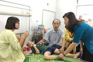 Sớm ổn định sức khỏe bệnh nhi trong vụ ngộ độc tại huyện Đông Anh