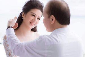 Nữ ca sĩ Đinh Hiền Anh làm đám cưới với ông xã hơn 17 tuổi