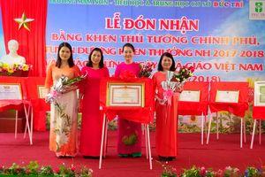 Đà Nẵng: Đón nhận nhiều niềm vui trong lễ kỷ niệm Ngày Nhà giáo Việt Nam